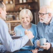 Senioren entscheiden: Pflege zuhause oder Seniorenheim