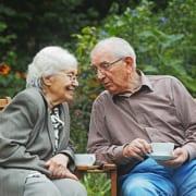 Senior erzählt von Kombination aus Kurzzeit- und Verhinderungspflege