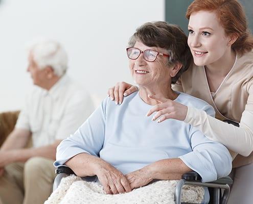 Seniorin mit 24-Stunden-Betreuung