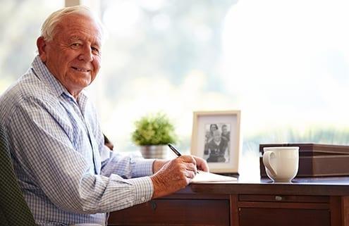 Senior regelt seinen Nachlass