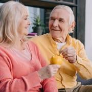 Senioren sparen durch den Pflege-Bahr Geld