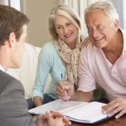 Ehepaar schließt private Pflegeversicherung ab